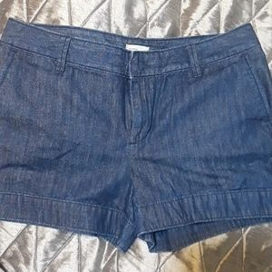 Gap denim shorts size 10 like new